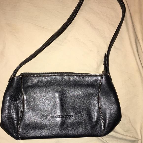 Kenneth Cole Handbags - Small black Kenneth Cole purse